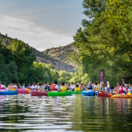 Festival des vins d'aniane canoe rose